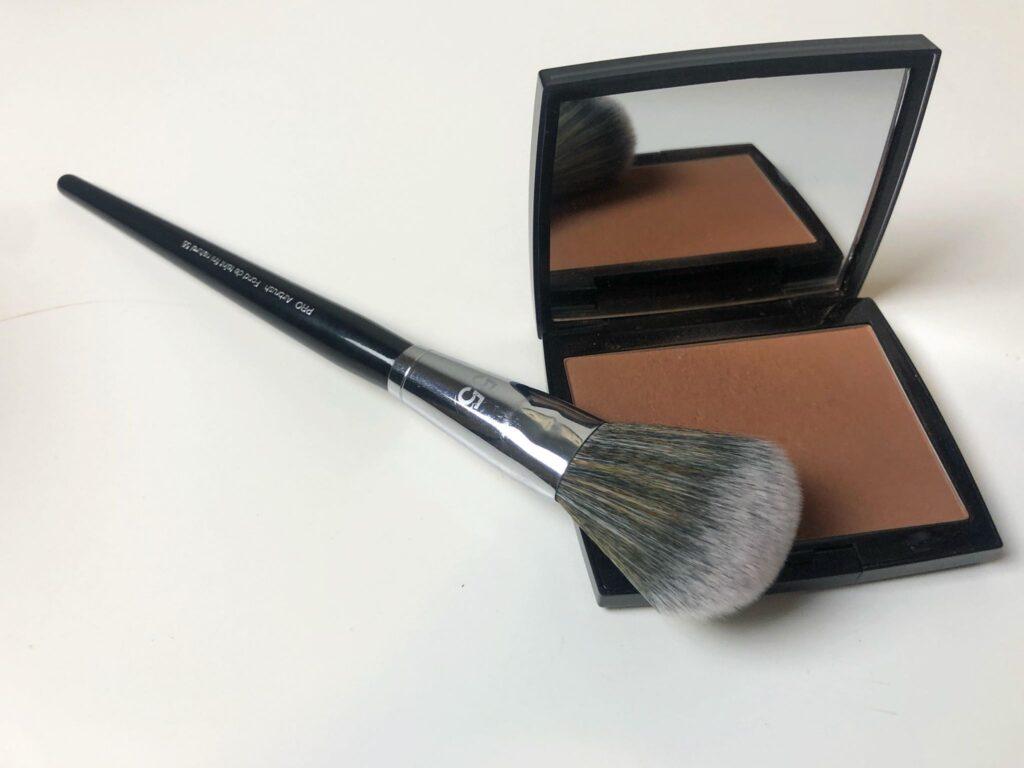 makeup brush with bronzer